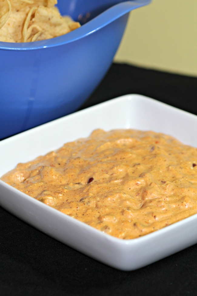 chili cheese dip- simple, 5 minute, 2 ingredient dip