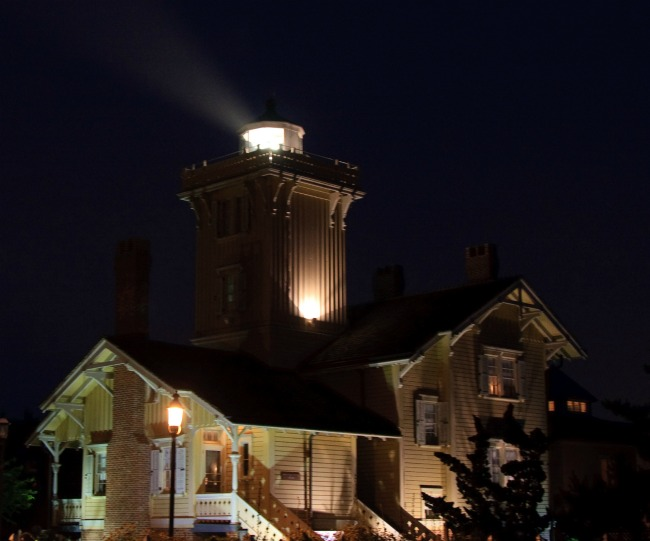 Hereford Inlet Lighthouse in Northwilwood at night